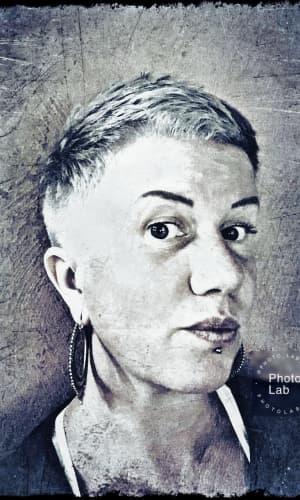 Karin Hell